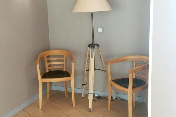 Bequemer Wartebereich im Waldkrankenhaus Eisenberg